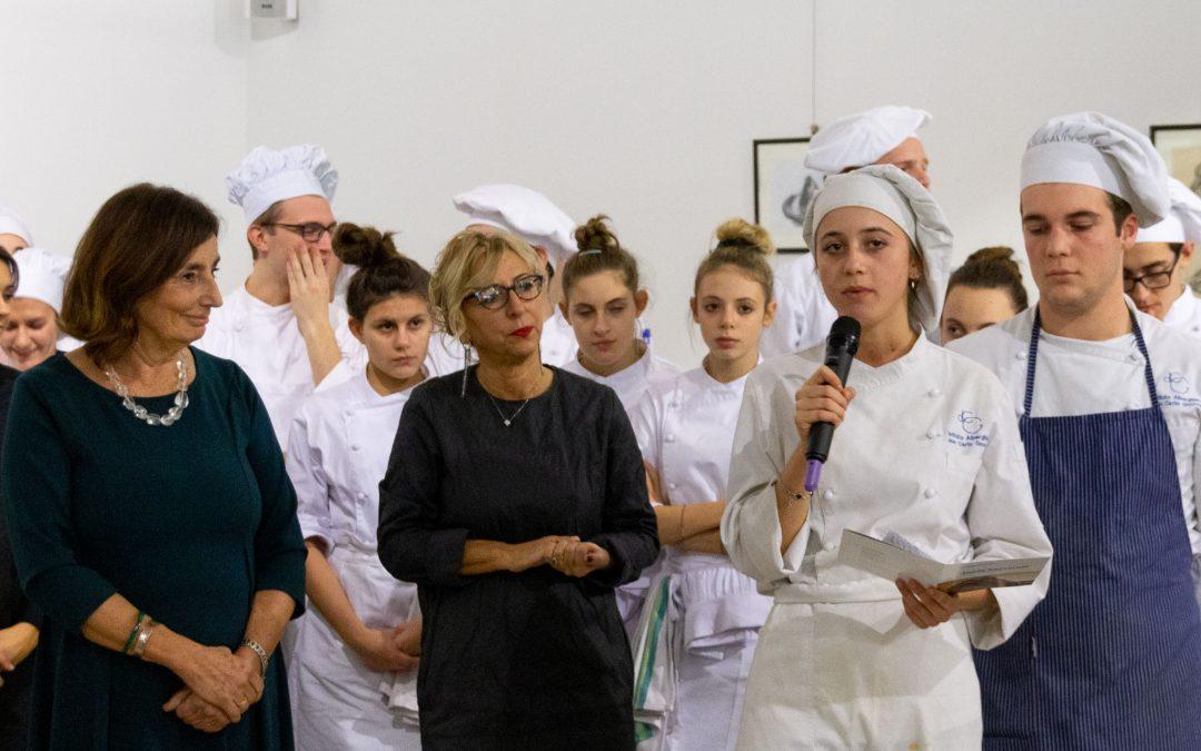 alberghiero/ Cena a tema con la scultrice Paola Ceccarelli
